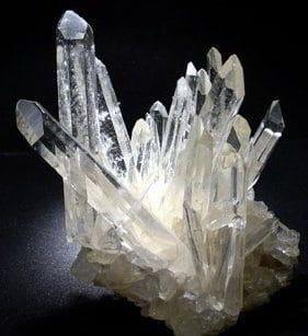 image cristal de roche brut